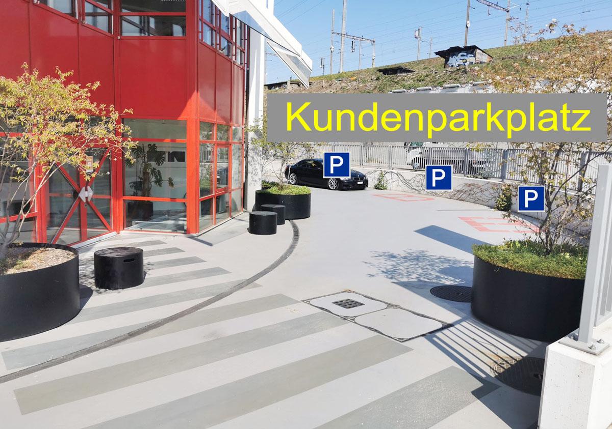 Kundenparkplatz2k1